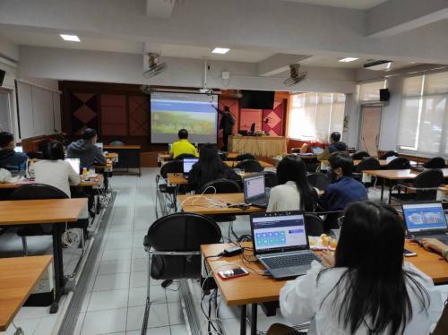 การฝึกอบรม การใช้งานเว็บไซต์ และระบบการเรียนการสอนออนไลน์